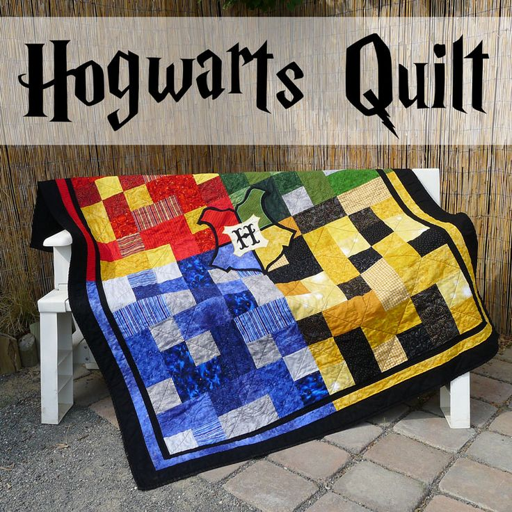 Pieces by Polly: Hogwarts Quilt with Crest - Harry Potter Inspired