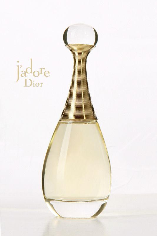 Moje ukochane perfumy Diora - j'adore!!Kocham ten zapach, poprostu love it! Kobiecy, zmysłowy, mocny i uwodzicielski ...