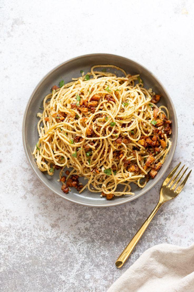 Vegan Cacio e Pepe with Smoky Balsamic Roasted Chickpea tofu. Spaghetti is tosse…   – Vegantastic