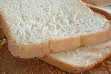 Weight Watchers Homemade White Bread! http://www.yummly.com/recipe/Weight-Watchers-White-Bread-Recipezaar