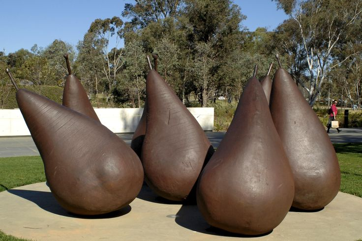 George Baldessin's magnificent bronze pears at the National Gallery of Australia. From: www.insideart.tv