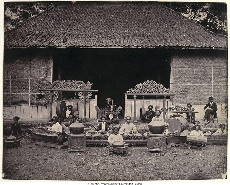 Gamelan Bandoeng, 1868-1872