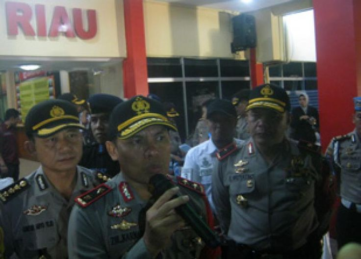 Pekanbaru, Oketimes.com - Memasuki H+3 pasca Hari Raya Idul Fitri 1438 H, atau 9 hari Operasi Ramadniya Siak 2017, Kepolisisian Daerah Riau mencatat ada delapan orang yang tewas akibat kecelakaan lalu ...