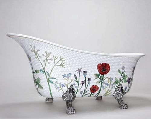 Mopsaic bath tup - ooh la la!!  How to shrink this one down to dollhouse size....hmmm? Love this thought!!