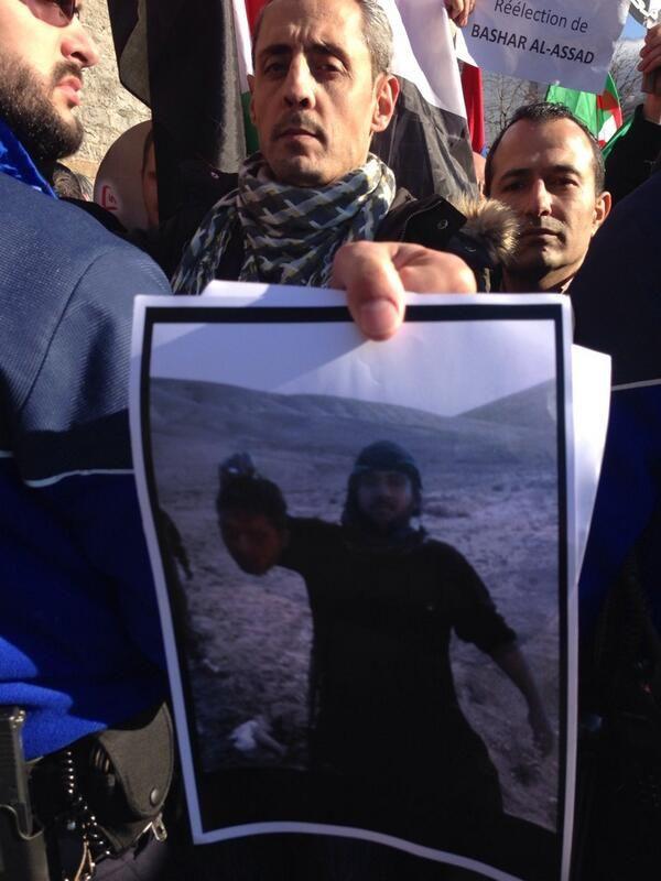 """@julioteleSUR: """"Manifestante denuncia acciones genocidas de terroristas en Siria"""""""