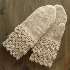 Mittens With Lace-Edgings. Pattern in English and Swedish.