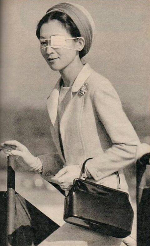 Ретро-фото: Наследная принцесса Японии Мичико после покушения на Окинаве: ru_royalty