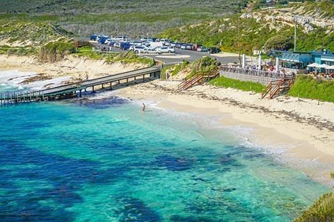 """Margaret River Region (@margaretriver) en Instagram: """"The White Elephant Beach Cafe is the perfect spot to enjoy your morning coffee, watch people SUP,…"""""""