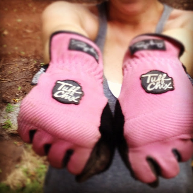 best work gloves for chicks! Love that I saw this on some blog! YAY Ironclad!