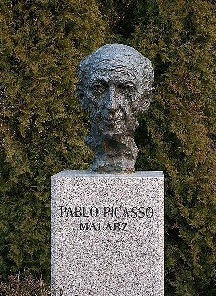 famous graves | Famous Graves / Monument to Pablo Picasso in Kielce, Poland