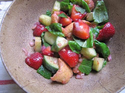 ... for strawberries #jordbaer #vegetarian #salad #salat #summer #sommar