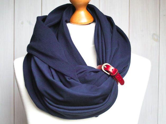 Lässiger Loop Schal in Dunkelblau, perfekt für das maritime Outfit / maritime loop scarf, dark blue, beach outfit made by Zolla via DaWanda.com