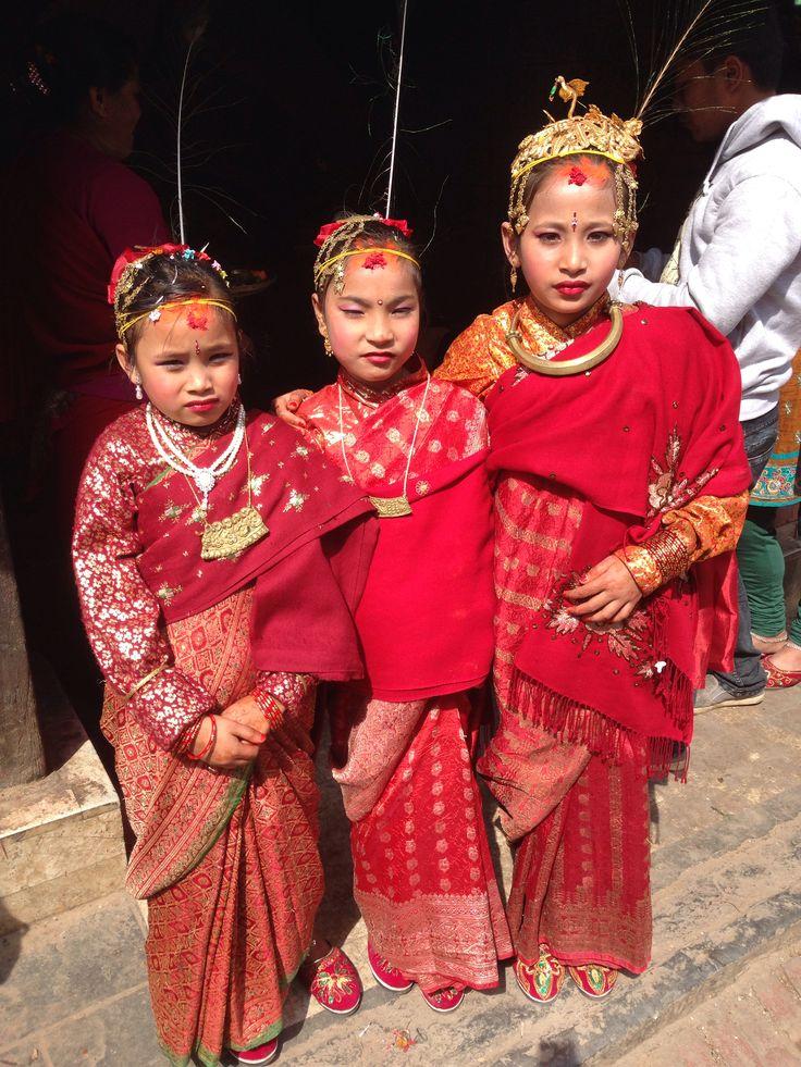 Novari girls