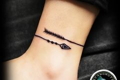 Tattoo arrow is a good choice for your new tattoo. A small tattoo by Acanomuta Tattoo Studio.
