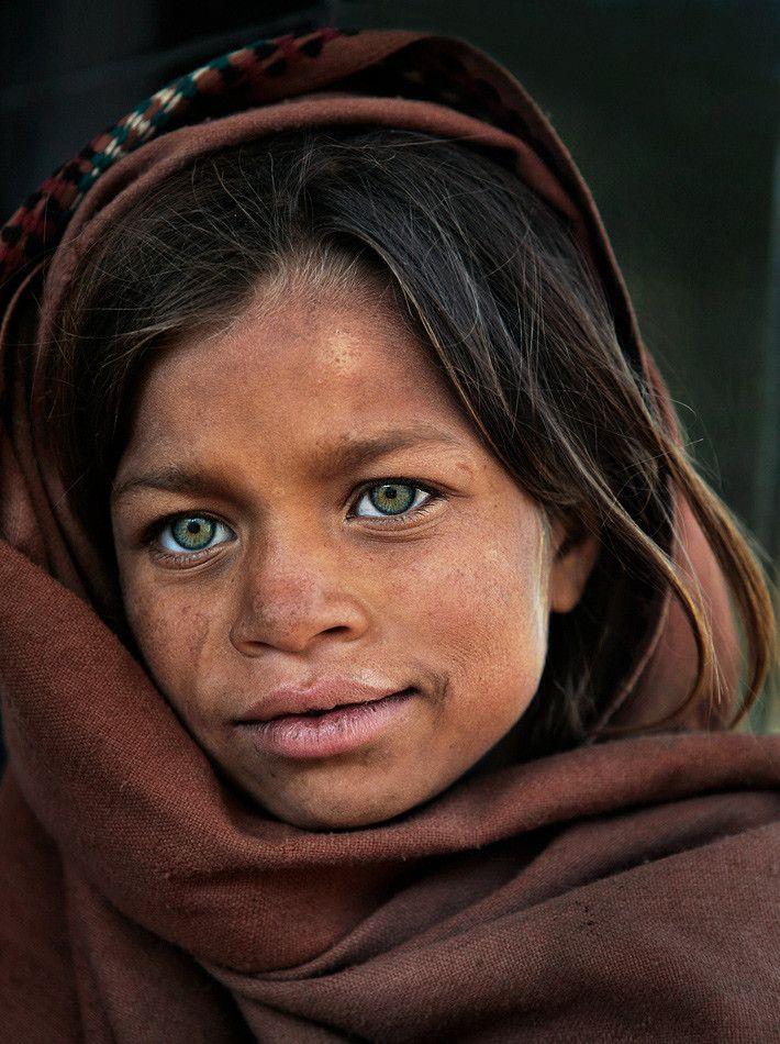 Kashmiri girl by Balazs Pataki | People of the world ...