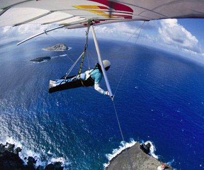 Hanggliding... yes please.