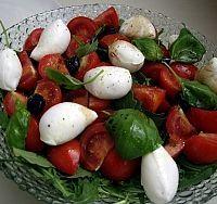 Salade tomates-roquette-mozzarella