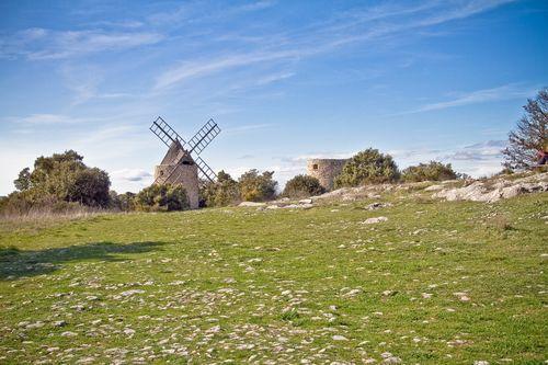 Saint Julien le Montagnier (83) en Provence. Par Muddy photography http://www.flickr.com/photos/escucha/