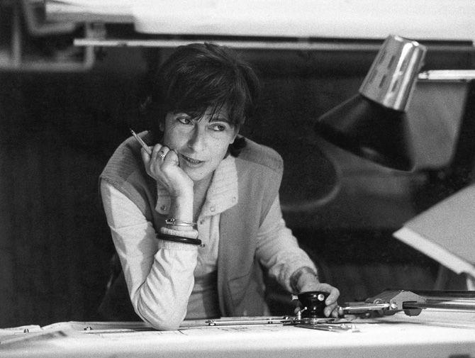 Cini Boeri (born in 1924), italian architect and designer