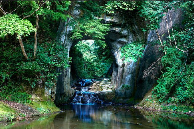 まるでジブリの世界!千葉県にある隠れた秘境「濃溝の滝」知ってる?