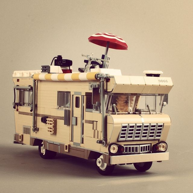 "1973 Winnebago Cheftain ""Walking Dead"". by Misterzumbi"
