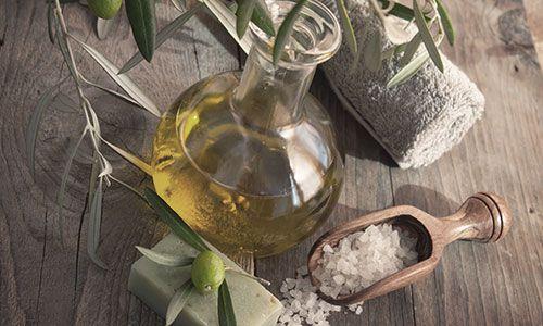 エッセンシャルオイル(アロマオイル・精油)の使い方|40のアイディアとレシピ集      /  エッセンシャルオイルの使い方一覧