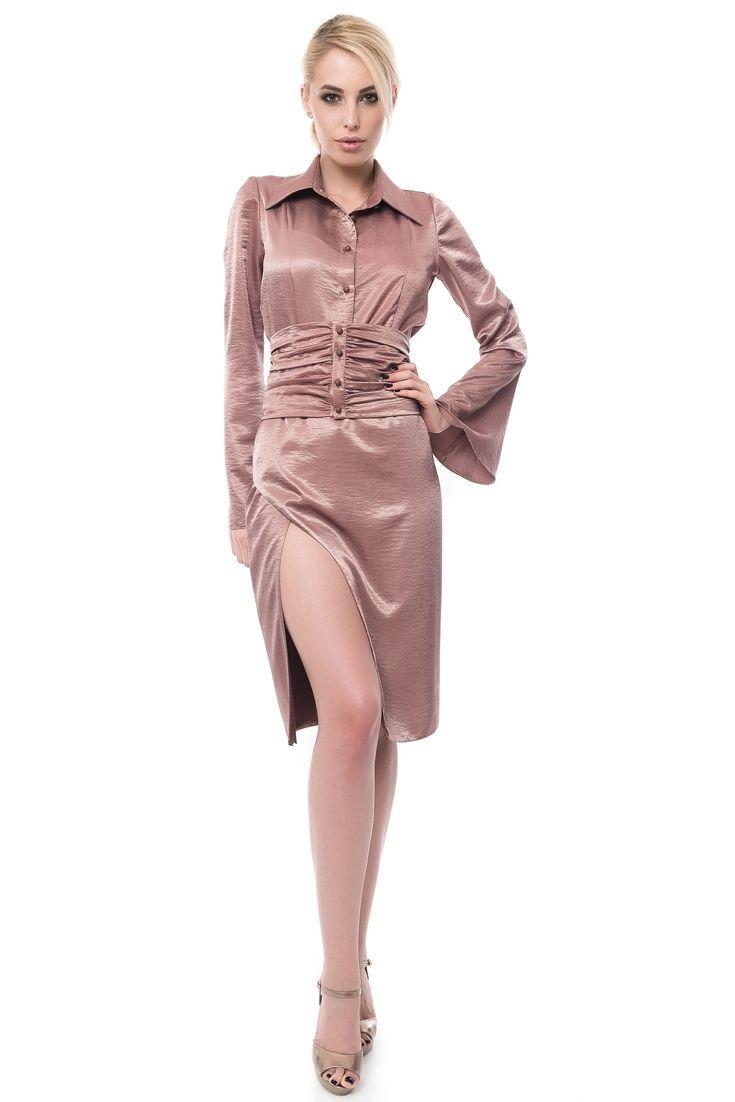 CAMASA CU MANECI CLOPOT SI BRAU INCRETIT deep cut skirt silky shirt with flared sleeves  Sursa: http://maruca.ro/Camasa-cu-maneci-clopot-si-brau-incretit-W10369 Copyright © Maruca.ro