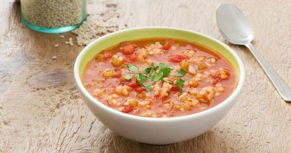 Soupe aux tomates et à l'orge.  http://rienquedugratuit.ca/blogue/soupe-aux-tomates-et-a-lorge/