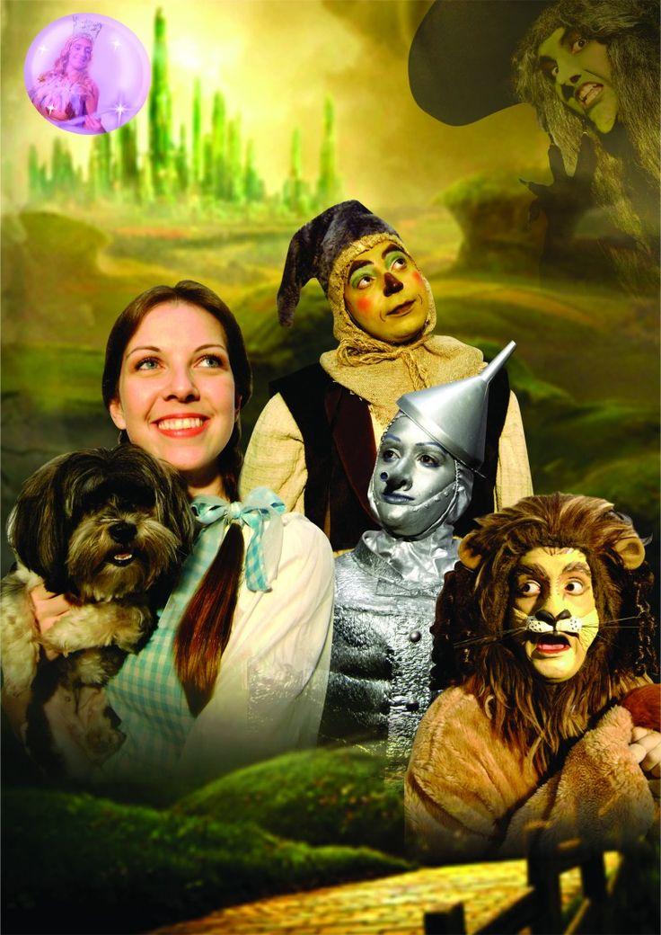 """Uma menina foge de casa e, depois de um tornado, acorda na Terra de Oz, onde conhece as figuras mais diversas e inesperadas. As aventuras de Dorothy recebem adaptação de Aníbal Erthal, do dia 8 ao 30 de junho, no Teatro Abel, em Icaraí. A peça é uma adaptação baseada na série de livros de...<br /><a class=""""more-link"""" href=""""https://catracalivre.com.br/rio/bom-bonito-barato/barato/adaptacao-do-magico-de-oz-desembarca-em-niteroi/"""">Continue lendo »</a>"""