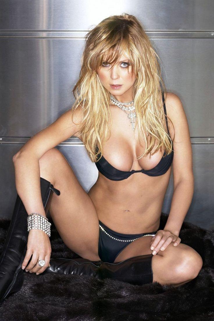 Angelina Jolie Plastic >> Tara Reid breast pics | Tara Reid | Pinterest | Tara reid, Bikini pictures and Beautiful actresses