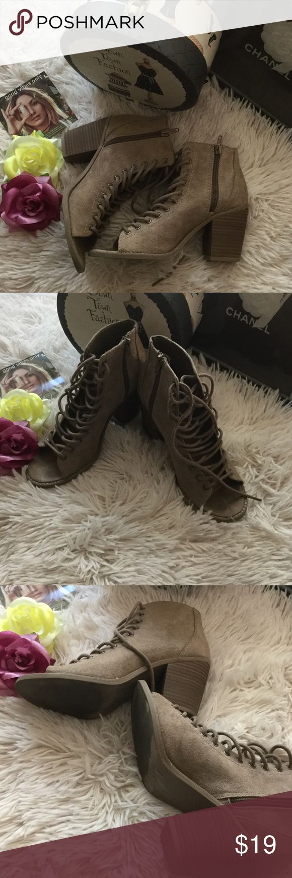 💋Mossimo supply co shoes 💋 💋 Great condition 💋 Mossimo Supply Co Shoes Ankle Boots & Booties