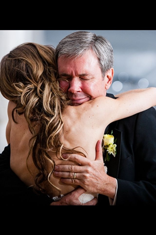 Father and daughter moments - so hard to let your little girl go... #wedding #father #daughter #photo #moment #best #favorite #bride #with #dad #hug #emotional #good #bye #letting #go #папа #обнимает #невесту #дочь #трогательные #фото #свадебные #моменты #прощание