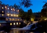 The Wakefield Mill Hotel & Spa is located in the Gatineau Park, only 25 minutes from Ottawa/Gatineau and in the charming village of Wakefield.  This hotel features a heritage-designated Mill and the environmentally-innovative Eco River Lodge.