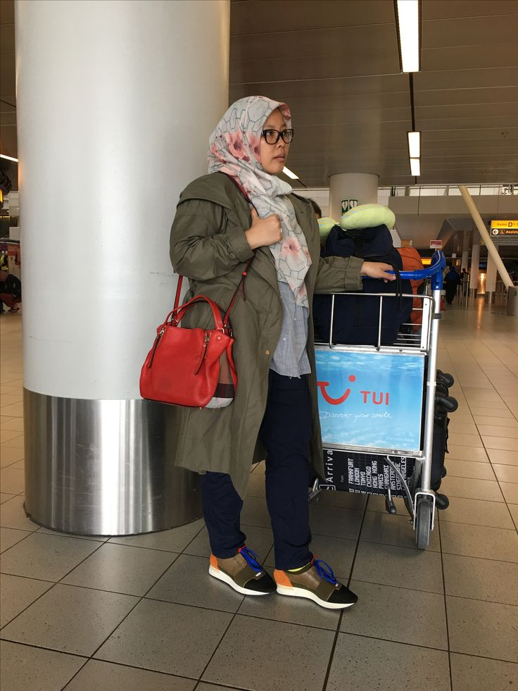 Airport Hijab style😜😘