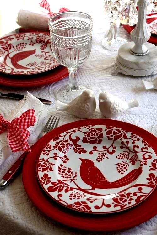 Love this red.  This would work for a holiday themed table setting too.