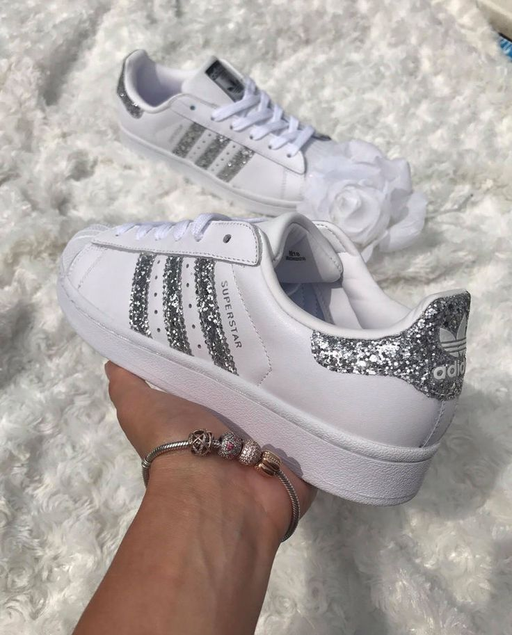 £69.99 Adidas Superstar White Metallic Silver Glitter Womens Trainers S76923