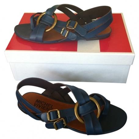 Chaussures tout cuir bleues MICHEL VIVIEN Bleu taille 37 FR en Cuir Printemps / Eté - 374912  http://fr.vestiairecollective.com/chaussures-tout-cuir-bleues-michel-vivien.shtml    vestiaire collective