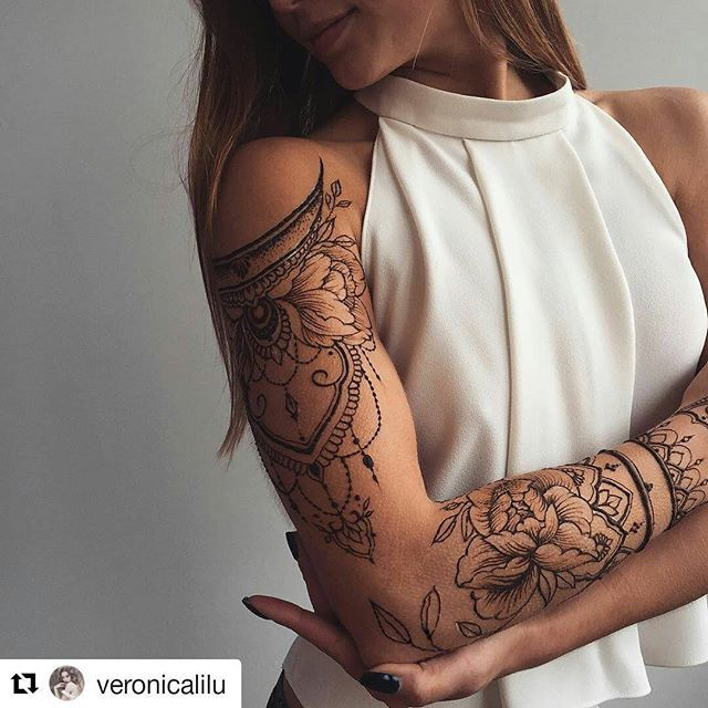 #follow@hennafamily 3 #Repost @veronicalilu ・・・ Floral #henna sleeve ✨ Shoulder piece inspired by @tata.tsvetkova, forearm peony - my one and only @sashatattooing ❤️️ #Veronicalilu #henna #hennaart #hennatattoo #tattoo #tattooart #mehendi #mehdi #mendi #mehendiart #freehand