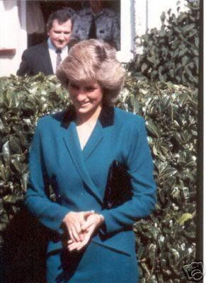 Princess Diana - Special School for Epileptics  Lingfield Hospital, East Grinstead , le 22 Septembre 1987