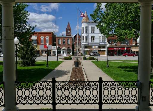 In southeastern Iowa, a little city called Fairfield is growing in size and stature. The town of les... - flickr.com via websterwebfoot