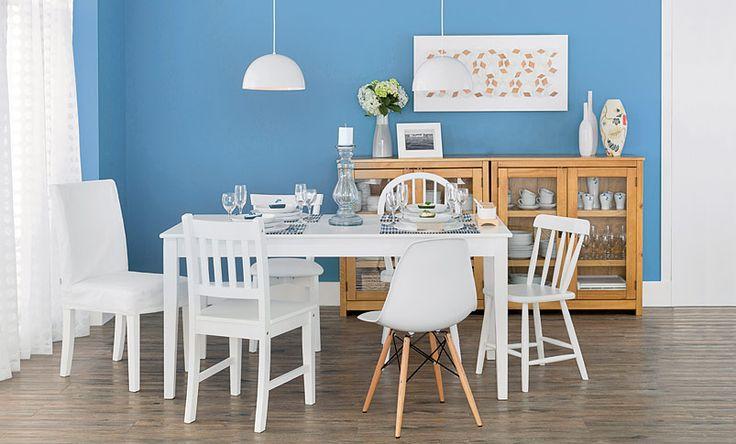 Tok&Stok Jantar Diferentes cadeiras transmitem originalidade na mesa de jantar.