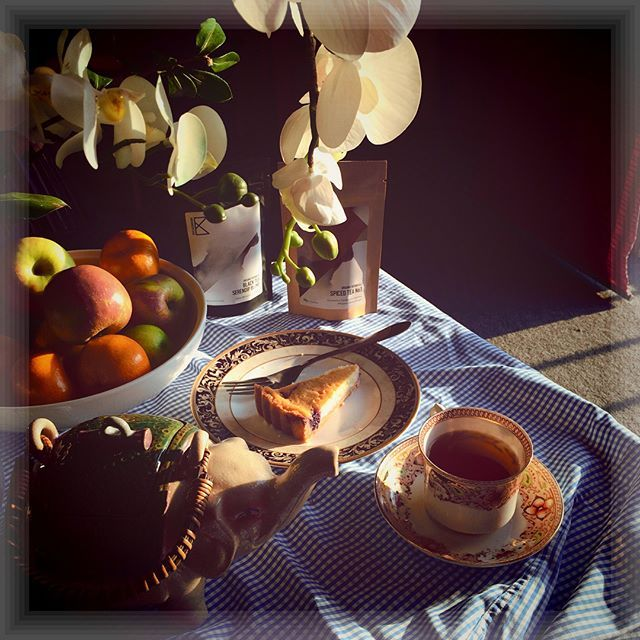 There is no better way to start a day than a leisurely morning tea (and cake)! #morningtea 🌿☕️🍰🌿☕️🍰🌿 - - - #ilovetea #organictea #tastekaleidoscope #tastek #tasteK #instamood