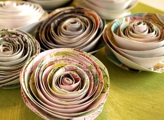 Simple tutorial making paper roses at @papernstitch by @psinthedetails! I've always wanted to make one!