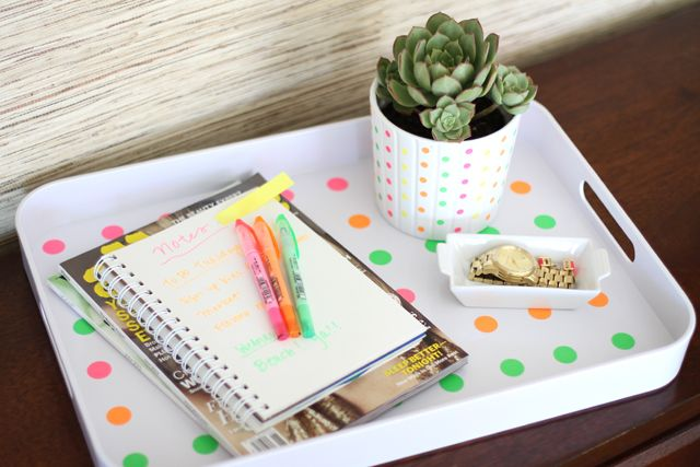 Polka Dot Tray | Making it Lovely: Tray Holder Portrait, Diy Ideas, Polka Dots, Crafts Diy Projects, Dots Trays, Diy Crafts, Kitchens Ideas, Tray, Serving Trays