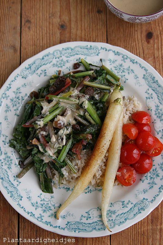 Plantaardigheidjes: Groene groentes met miso tahin saus en gesmoorde ijspegels