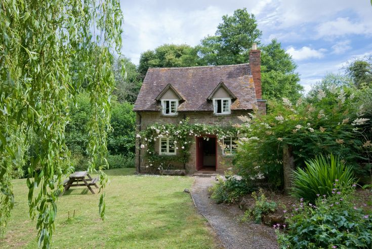 This English cottage could quite possibly be the most romantic place to spend Valentine's Day