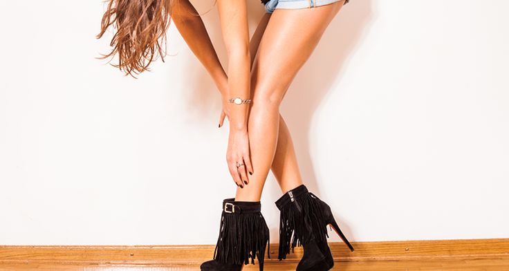 The fringe boots are super chic and can stand out on their own. Pair them with a pair of denim jeans or wear them with a dress, they always add on to your look. Whether you're shopping for boots that hit at the ankle, mid-calf or go over the knee, fringe boots are always there for you. Yes, the summer is over but Girls! that does not mean you pack up with your fringes. Keep your heads high, wear them up, and s