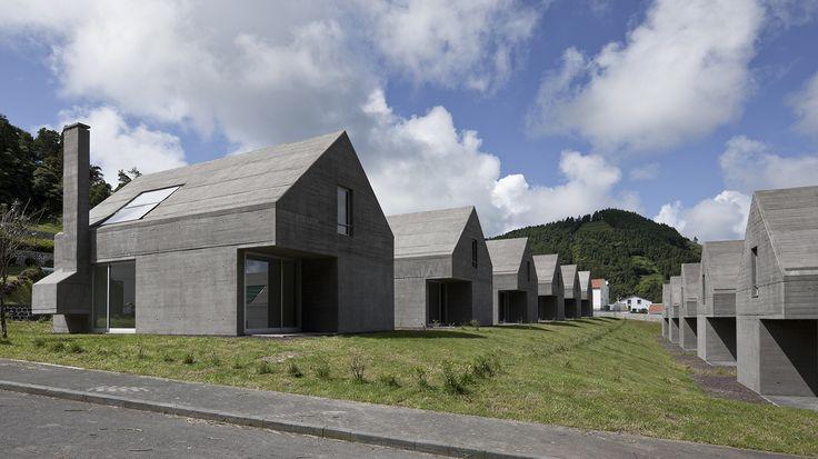 Galeria - Loteamento e casas das Sete Cidades / Eduardo Souto de Moura + Adriano Pimenta - 7