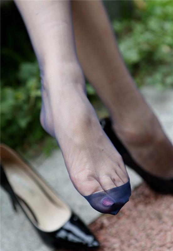 d7267e70bf5 Pin on Sexy Feet