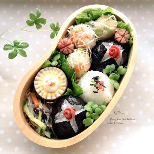 posted by @mymymy_39ra87 今日のお弁当 えびとはんぺんと枝豆に春雨つけて揚げたのとか味玉子とか...